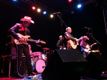 Dave and Phil Alvin at Headliners