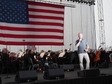 Mayor Fischer at Louisville Orchestra Waterfront 4th