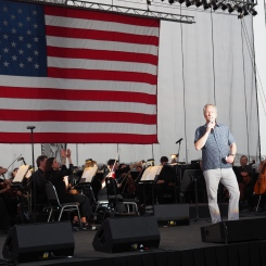Mayor Fischer at Louisville Orchestra Waterfront 4th