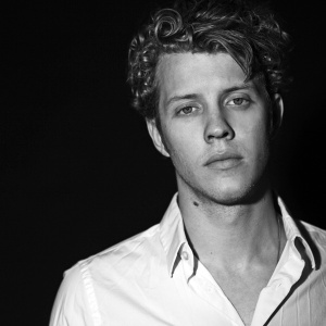 photo credit: Anderson East Website