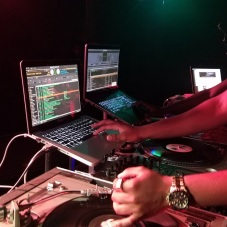 TasTe DJ's Pull Up at New Vintage