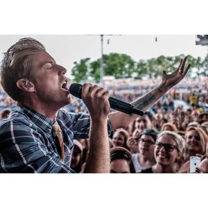 Andrew McMahon Photo by @alexkaneperkins