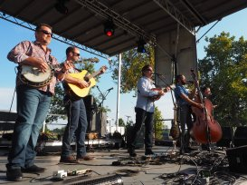 The Travelin' McCourys at MoonTower 2017