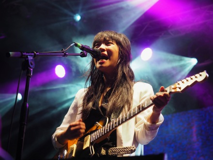 Thao & The Get Down Stay Down   Middle Waves   9.15.17